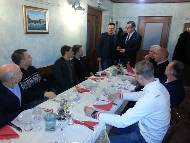 Dorijan Maršič, Dean Žigon, Zoran Širca in ostali člani LK Ankaran Istra ob prevzemu CLUB Excellence award - Gračišče (Ražman) FEB 2013